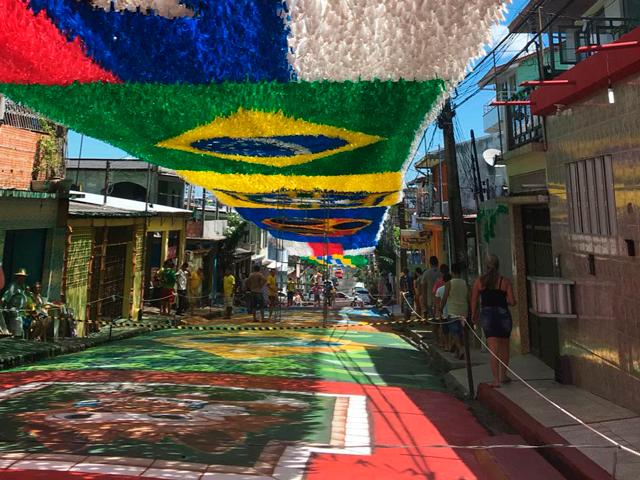 Rue de Manaus décorée à l'occasion de la Coupe de Monde de Football