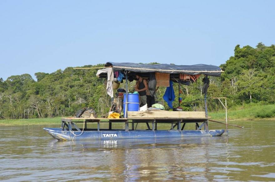 Amazone en bateau